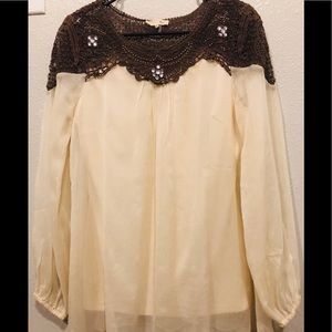 RYU Cream M Top, crochet/stones, never been worn.